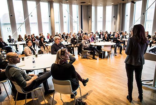 Konference sundhedsinnovation. Inspirationsoplæg om implementering af teknologi i Kbh. Kommune. Foto: Jesper Rais