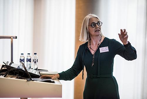 Konference oplæg om designtænkning. Foto: Jesper Rais