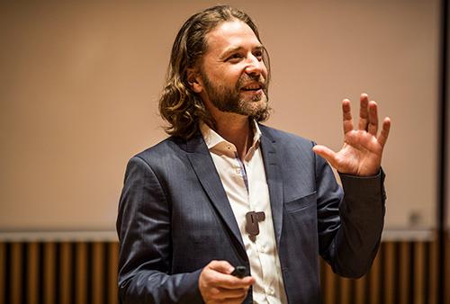 Konference keynote af Jack Kreindler. Foto: Jesper Rais
