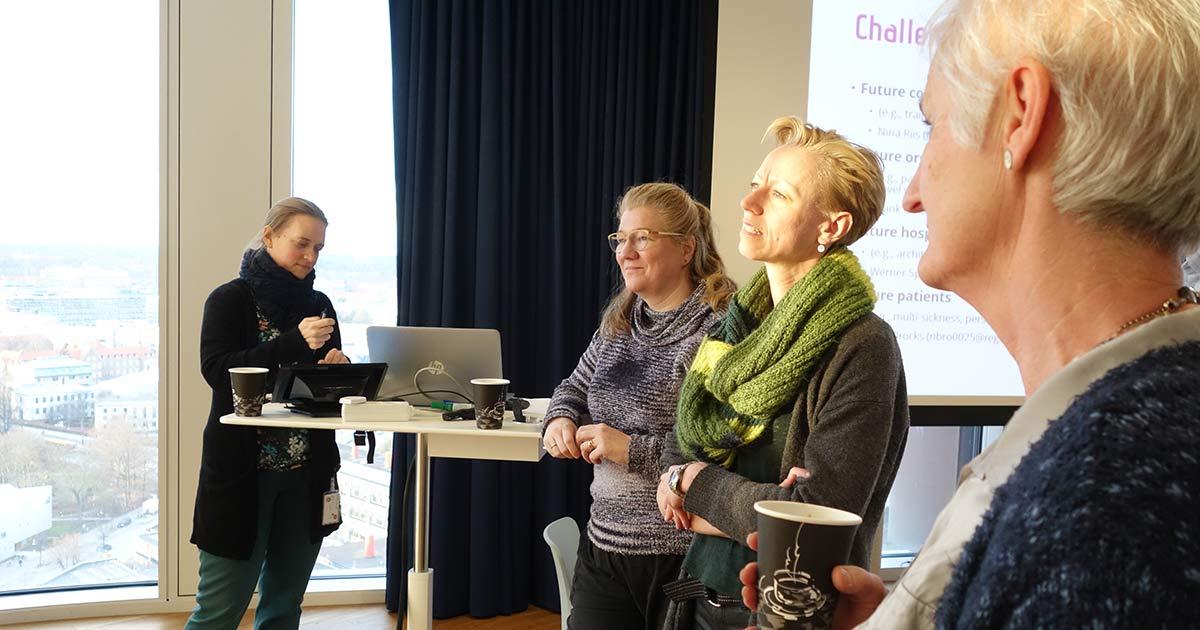 NSU deltagere diskuterer