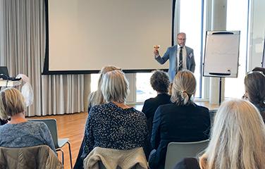Martin Vesterby Holder Inspirationsoplæg For Netværk For Sundhedsprofessionelle Og Undervisere