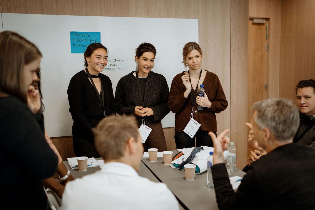 Unge innovatører møder samfundets krav