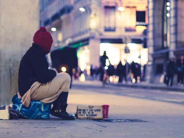 Socialrådgivere: Coronakrisen viser, hvor systemet svigter socialt udsatte